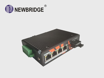 Anti Static 4 Port Industrial Ethernet Switch 10/100M With 1 SC Fiber Port 24V